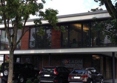 Fassade von Aymans Bacht und Partner