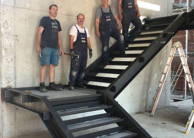 Montage einer Stahltreppe