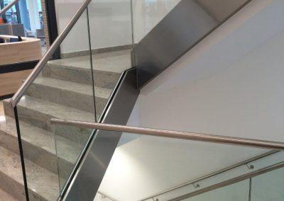 Q-Railing Geländer im Treppenhaus