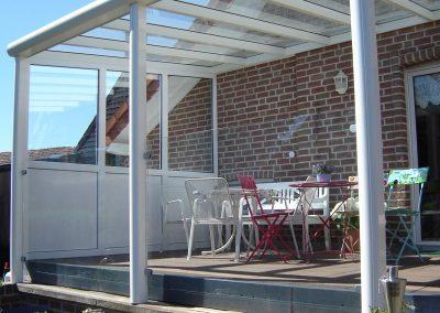 Terrassendach im Garten